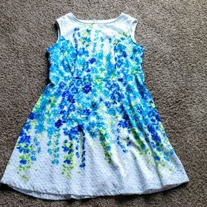 3/$15 floral dress zipper in back lace overlay